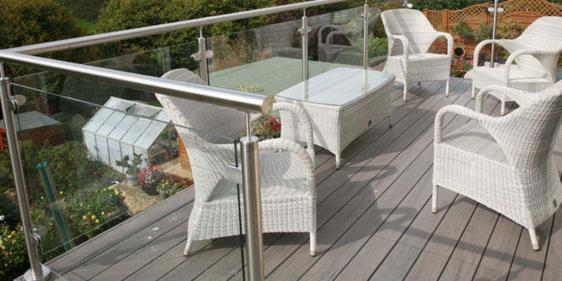 Stainless steel deck handrail