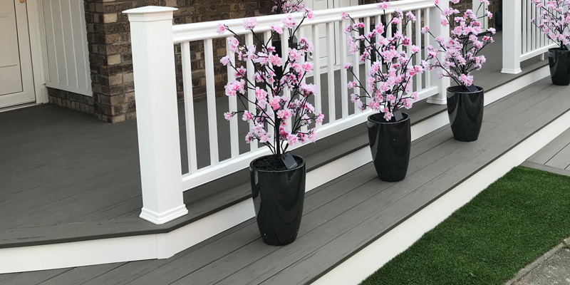 Grey deck with white risers